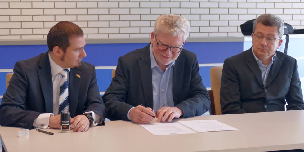 Eb: aláírták a Joolával a támogatási szerződést